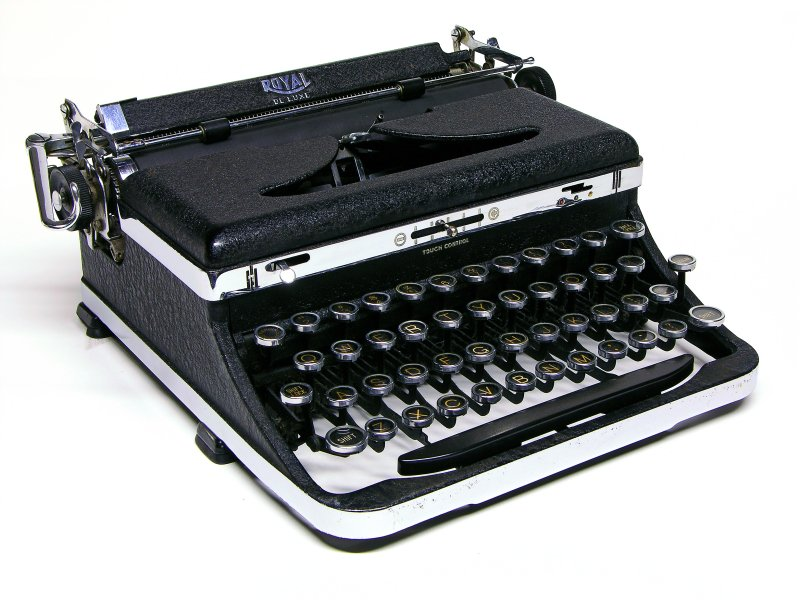 dating a royal typewriter