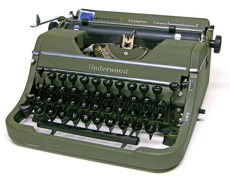 underwood--champion--vintage--typewriter